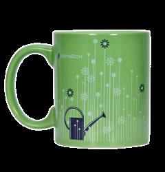 """Кружка керамическая, зеленая с 2-х цветной деколью. Логотип """"Мегафон"""""""